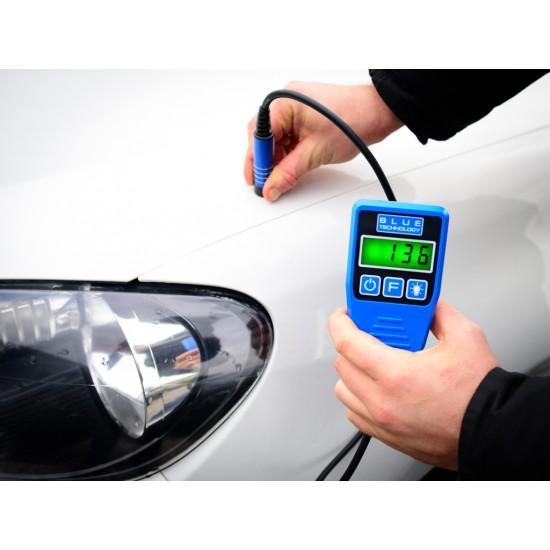 Merač hrúbky laku pre vozidlá s káblovou dotykovou sondou - zistenie dvojitého náteru, alebo tmelenia (Podklady - oceľ, galvanizovaná oceľ, hliník)